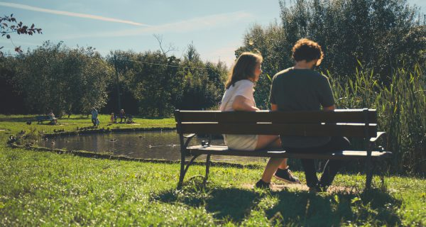 bench-couple-daylight-172368